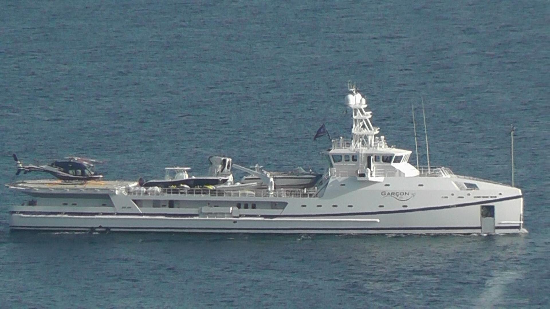 Yacht Con Elicottero Prezzo : Nelle acque di capri ecco quot garÇon metri e un